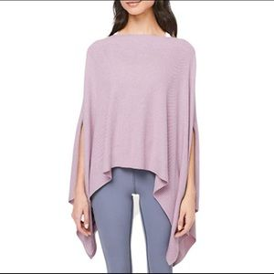 Lululemon forward flow cape